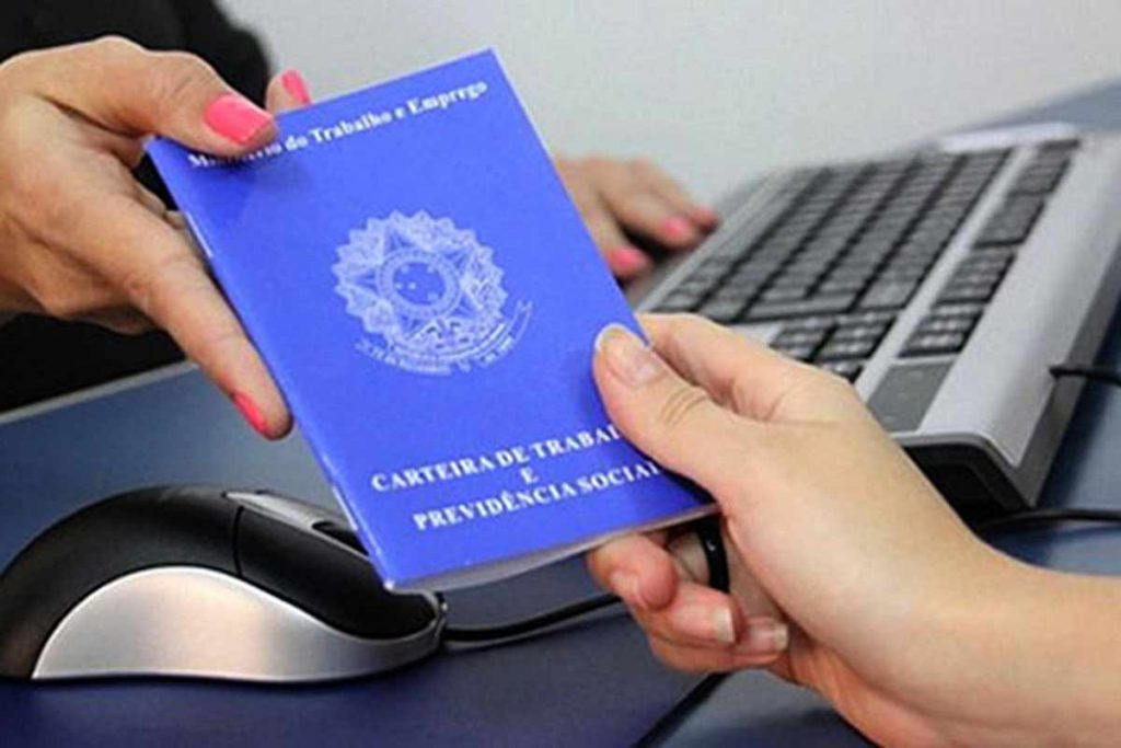 Prazo para dar entrada no seguro-desemprego está suspenso