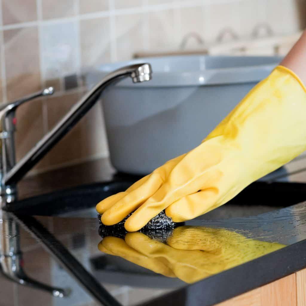 Empregadores domésticos devem perder a dedução do IR sobre pagamento do INSS do funcionário